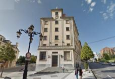 Mixed use building  for sale in Oviedo, Milán Pumarin